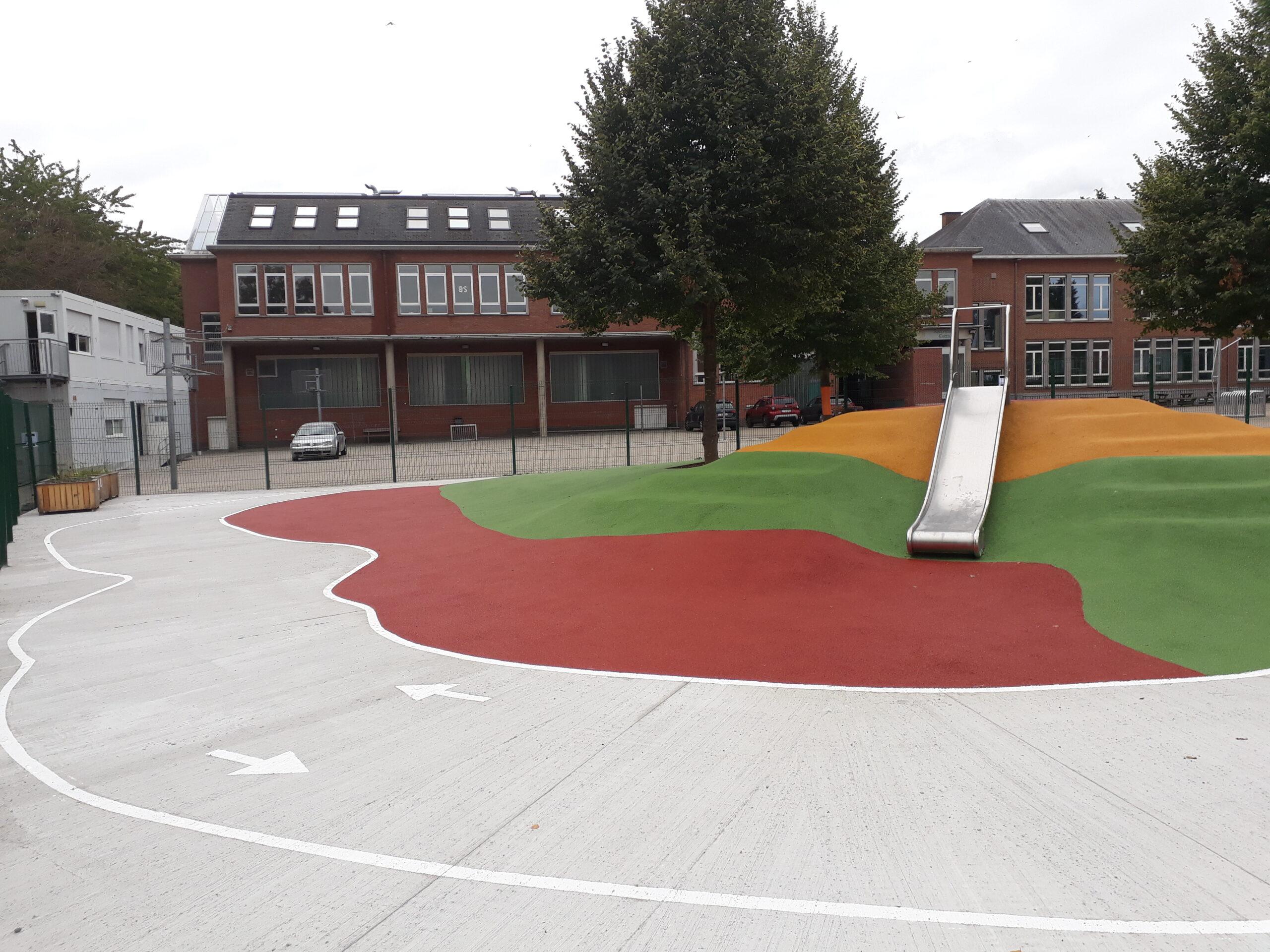 aanleg speelplaats en rubberen speelvloer